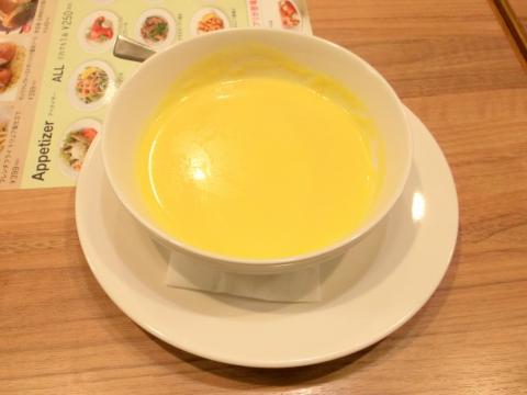 ジョナサン練馬光が丘店の国産牛のコーンスープ