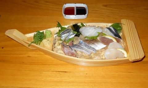 広島県広島市中区新天地にある瀬戸内料理のお店「雑草庵 安芸」刺身盛り合わせ