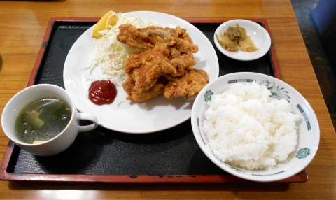 埼玉県川口市東内野にある中華料理店「豊来軒」鳥の唐揚げ