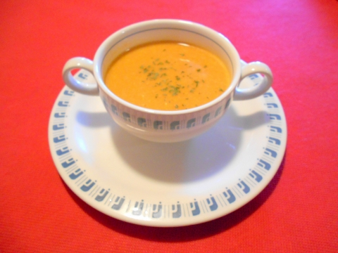 埼玉県春日部市南4丁目にあるフレンチレストラン「ピノ」スープ