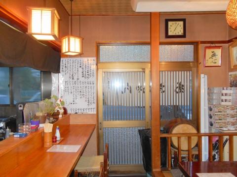 東武スカイツリーラインのせんげん台駅を最寄駅とする埼玉県越谷市千間台西5丁目にある居酒屋あきちゃんの店内