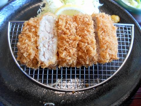 埼玉県さいたま市緑区美園5丁目にあるとんかつ料理店「かつ敏 浦和美園店」三元豚ヒレカツ