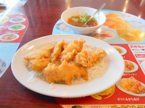 つくばエクスプレスの六町駅を最寄駅とする東京都足立区一ツ家2丁目にある中華料理ファミリーレストランのバーミヤン足立保塚店の九州産サクッふわっおろしポン酢鶏天