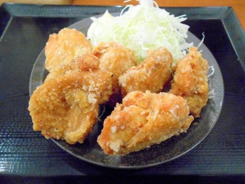 神奈川県川崎市中原区木月1丁目にあるからあげ専門店「からやま 元住吉店」からやま定食のからあげ