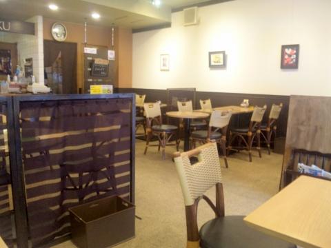 千葉県松戸市松戸にある喫茶店「CAFE KOHAKU カフェ琥珀」店内