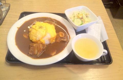 千葉県松戸市松戸にある喫茶店「CAFE KOHAKU カフェ琥珀」オムハヤシ スープ サラダ