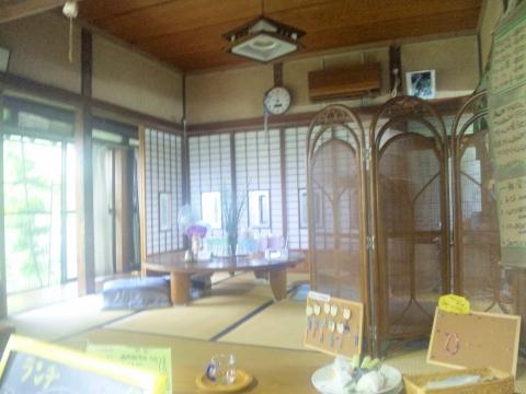 埼玉県越谷市袋山にある喫茶店「古民家きっ茶店 さぼてんの家」店内