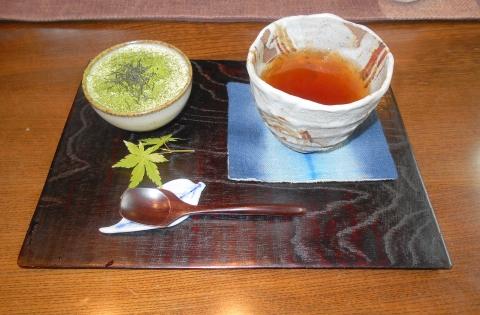 つくばエクスプレスの六町駅近くの東京都足立区六町3丁目にある日本茶専門店うつ和縁の抹茶ティラミスとほうじ茶