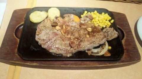 東京都新宿区歌舞伎町1丁目にある洋食、ハンバーグ、ステーキのお店「バンビ 新宿サブナード店」若姫牛 サーロインステーキ