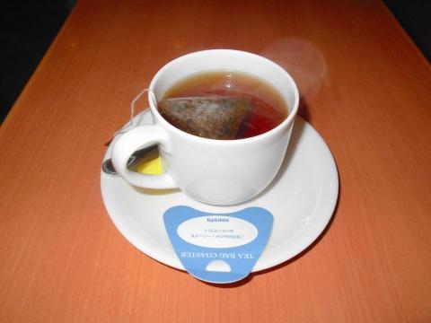 静岡県三島市一番町にある「DOUTOR COFFEE SHOP ドトールコーヒーショップ JR三島駅北口店」ホットティー