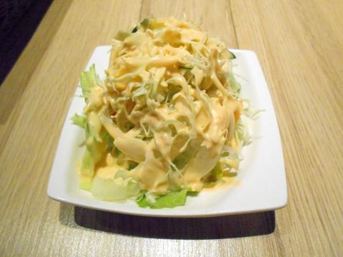 神奈川県横浜市港北区日吉本町1丁目にあるハンバーグとステーキのお店「やながわ精肉店」サラダ