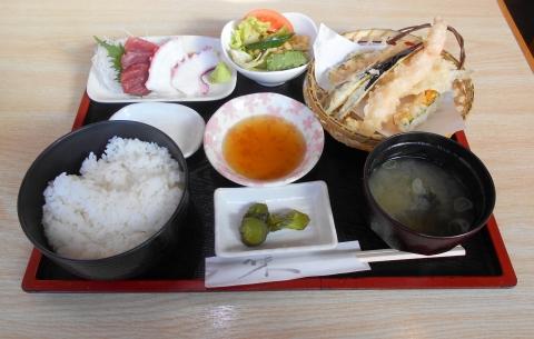 東京都江戸川区瑞江2丁目にある居酒屋「かまどや 瑞江店」かまどや定食