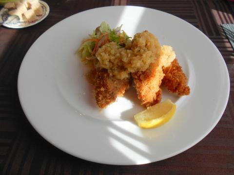 埼玉県さいたま市岩槻区加倉3丁目にある洋食店「ボナペティ・ピコ」カキフライ