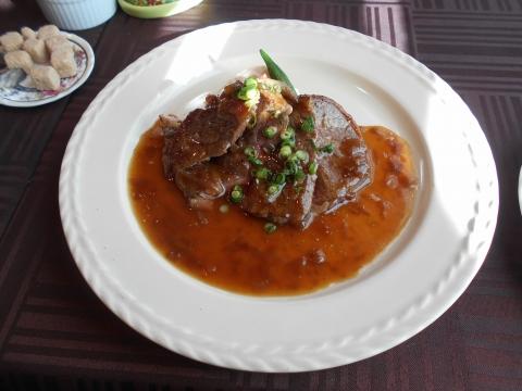 埼玉県さいたま市岩槻区加倉3丁目にある洋食店「ボナペティ・ピコ」リブステーキ