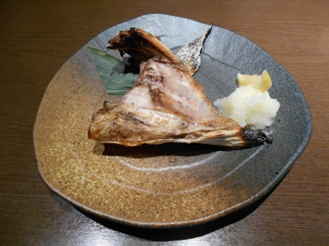 埼玉県所沢市日吉町にある居酒屋 「魚と地酒 葵や 所沢本店」ブリのカマ焼き