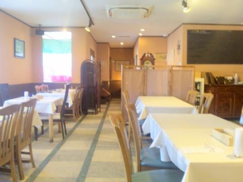 西武狭山線と西武山口線の西武球場前駅近くにある埼玉県所沢市上山口にあるイタリア料理のお店Natureナチュールの店内