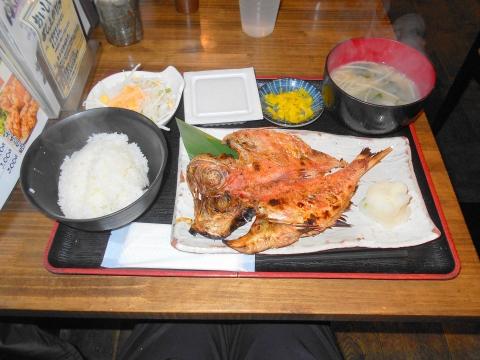 川崎銀柳街入口のひもの屋 金目鯛開き定食