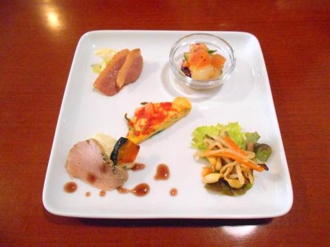 東武スカイツリーラインの一ノ割駅近くの埼玉県春日部市備後東1丁目にあるイタリアンのお店イタリア食堂SIDE WALKERサイドウォーカーの前菜盛り合わせ