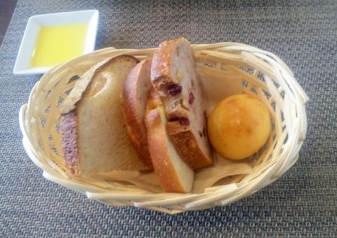 西武池袋線と西武狭山線の西所沢駅近くの埼玉県所沢市山口にあるパンとレストランのお店VRAIdeVRAIヴレドヴレのスライスパン5種