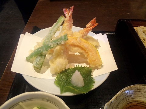 埼玉県所沢市山口にあるそば、うどんのお店「椿茶屋」海老の天ぷら