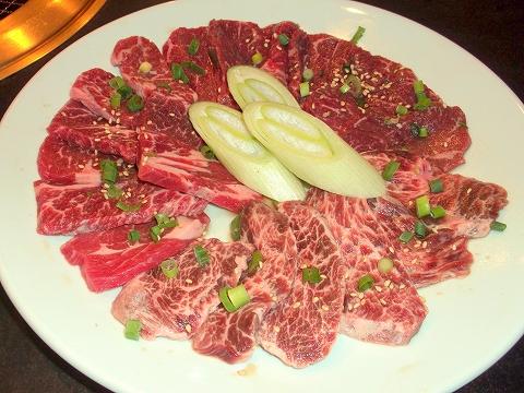 東京都練馬区田柄5丁目にある韓国料理、焼肉のお店「オモニ亭」カルビ+ロース+ハラミのセット