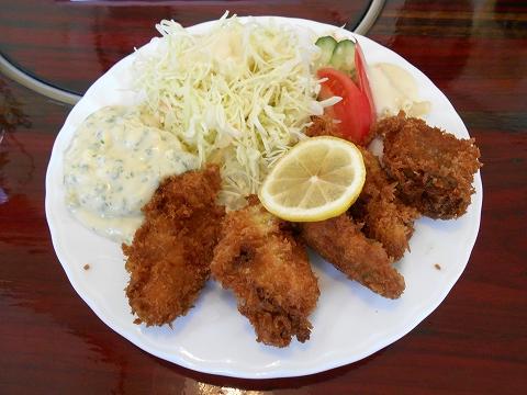 東武スカイツリーラインの越谷駅を最寄駅とする埼玉県越谷市東越谷10丁目にある洋食店こだまのカキフライのランチのカキフライ
