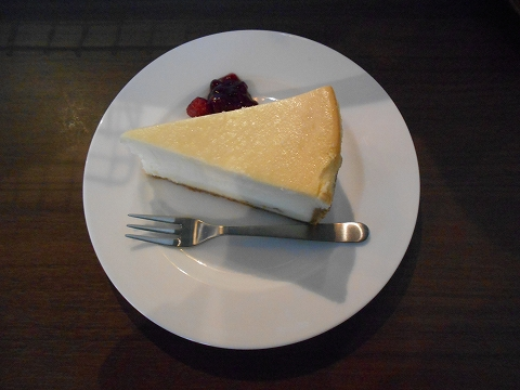 東武スカイツリーラインのせんげん台駅近くの埼玉県越谷市千間台西3丁目にあるハーブティーとホットチョコレートのお店あんず屋のチーズケーキ