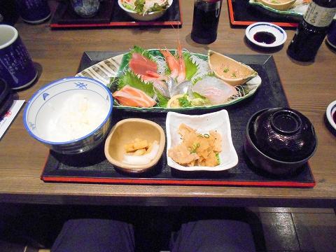 埼玉県さいたま市北区吉野町1丁目にある和食のお店「がってん食堂大島屋 吉野町店」刺身定食