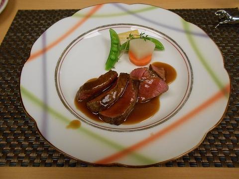 JR山陽本線の尾道駅を最寄駅とする広島県尾道市新浜1丁目尾道国際ホテル内にある洋食とレストランのラ・メールのエトワールの牛フィレ肉ステーキ