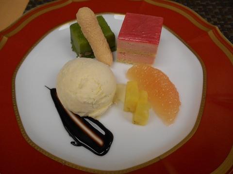 JR山陽本線の尾道駅を最寄駅とする広島県尾道市新浜1丁目尾道国際ホテル内にある洋食とレストランのラ・メールのエトワールのデザート