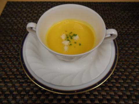 JR山陽本線の尾道駅を最寄駅とする広島県尾道市新浜1丁目尾道国際ホテル内にある洋食とレストランのラ・メールのエトワールのスープ