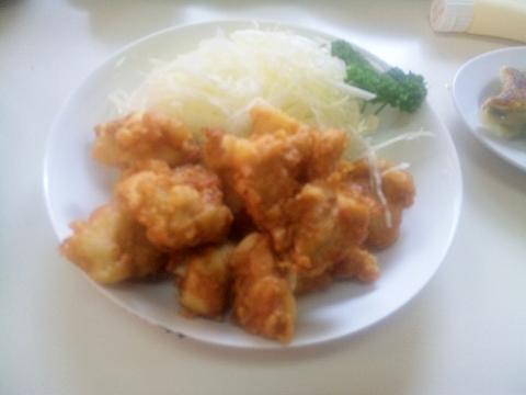 東武スカイツリーラインのせんげん台駅近くの埼玉県越谷市平方にある中華料理店宝華の鶏の唐揚げ