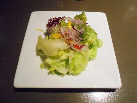 JR総武本線の両国駅近くの東京都墨田区横網1丁目にあるステーキとハンバーグの炭焼ステーキくに両国店のサラダ