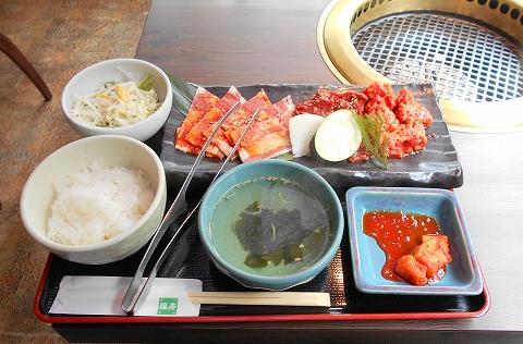 東京都練馬区光が丘5丁目にある焼肉、韓国料理の「韓国名菜 福寿 光が丘店」秘伝ダレのミックス御膳