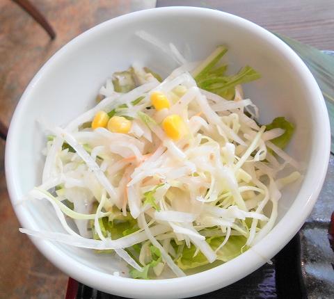 東京都練馬区光が丘5丁目にある焼肉、韓国料理の「韓国名菜 福寿 光が丘店」秘伝ダレのミックス御膳のサラダ