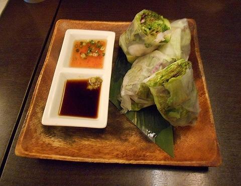 東京都練馬区豊玉北5丁目にあるアジア、エスニック料理のお店「AkiTaka アキタカ」海老とアボガドの生春巻