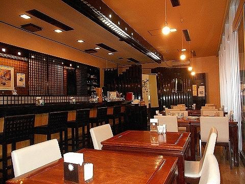 広島県広島市東区光町2丁目にあるにあるカフェ「バッケンモーツアルト  ナンネルモーツアルト店」店内