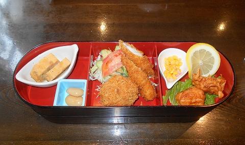 茨城県古河市関戸にあるイタリア料理のお店「いたりあ食堂 灯り家」ちょっと豪華にお弁当ランチ
