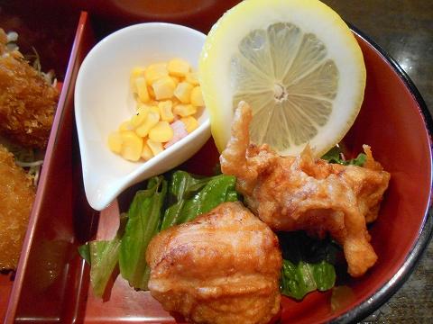 茨城県古河市関戸にあるイタリア料理のお店「いたりあ食堂 灯り家」ちょっと豪華にお弁当ランチの鶏の唐揚げ