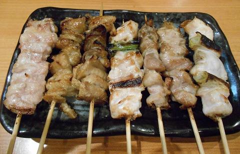 東京都練馬区練馬4丁目 ある焼鳥店「笑天やきとり 一輝」焼鳥(せせり、カワ、ねぎま、もも)