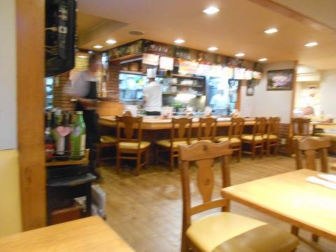 神奈川県川崎市中原区木月1丁目 にある鉄板焼き、洋食のお店「ゆうき亭」店内