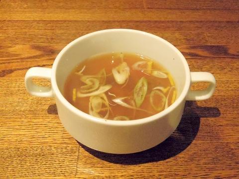 埼玉県越谷市千間台東1丁目にある鉄板ピストロのお店「la planche  ラ・プランシュ」ランチのスープ