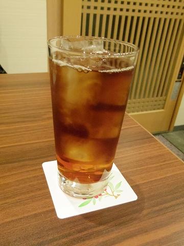 東京都練馬区関町北1丁目にある居酒屋、おばんざいのお店「京子さんのだいにんぐ」ウーロン茶
