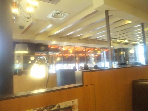 埼玉県所沢市緑町3丁目にある喫茶店「星乃珈琲 所沢店」店内