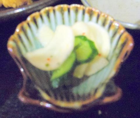 埼玉県所沢市西所沢1丁目にあるとんかつ専門店「とんかつ満寿や」黒豚ロースカツ定食の漬物