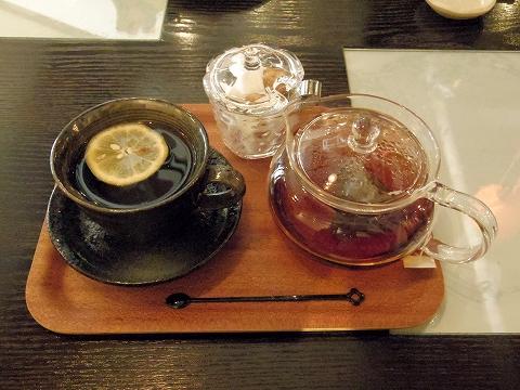 神奈川県川崎市川崎区宮本町にあるカフェ「和かふぇ かたなし」ダージリンティー