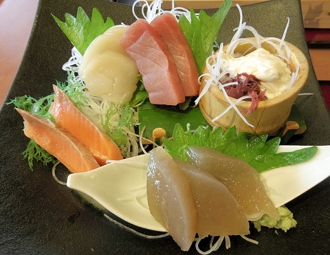 茨城県ひたちなか市西光地2丁目にある和食ファミリーレストラン「ばんどう太郎 ひたちなか店」ばんどう御膳の刺身