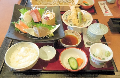 茨城県ひたちなか市西光地2丁目にある和食ファミリーレストラン「ばんどう太郎 ひたちなか店」ばんどう御膳
