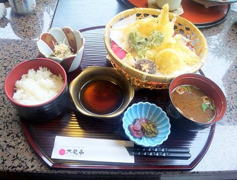 埼玉県越谷市宮本町にある和食、日本料理、会席、懐石の「和食処 大花亭」天ぷら御膳