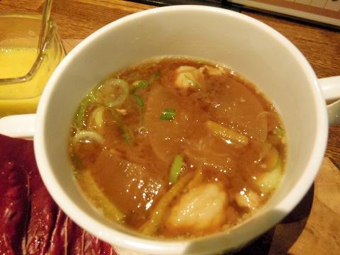 埼玉県越谷市千間台東1丁目にある鉄板ビストロのお店「la planche  ラ・プランシュ」富士幻豚で作ったスープ